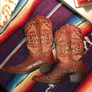 Ariat ladies cowboy boots